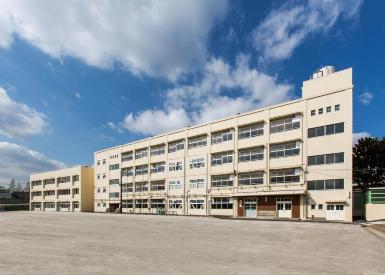 사코야마 초등학교 증축의 이미지