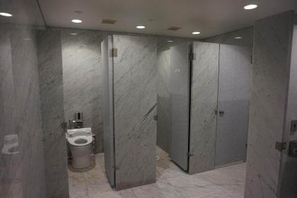요코하마비쥬츠칸 화장실 개수의 이미지