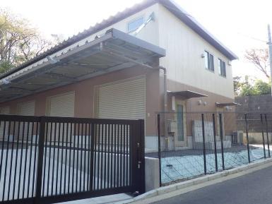 쓰즈키 토목사무소 자재 창고 외관