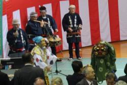 川島伴奏的舞獅子