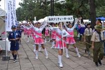 Un desfiles festivos vivamente