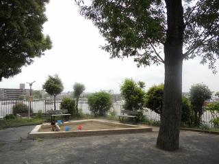 Es fotografía 1 del parque en foso de Mamedo