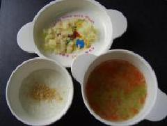 Soybean flour rice porridge, whitebait and tomato and lettuce simmered with soup, photograph of rough cut potato