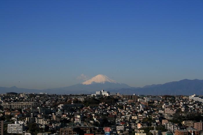 從上大岡東3丁目看的富士山