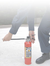Use of fire extinguisher image figure