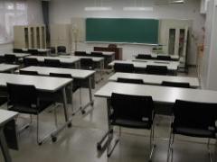 坐著學教室
