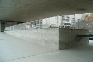 道路高架下邊存水(環狀2號線:戶冢區)的圖片