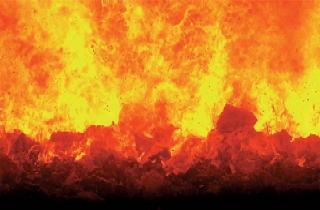쓰레기가 불타고 있는 이미지