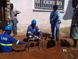 Declara para inspeccionar la construcción del suministro de agua