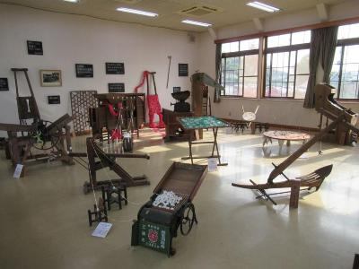 Photograph (venue whole view) of art and collaboration of agricultural machinery