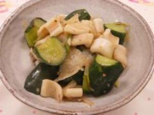 Chinese fried of cucumber and squid