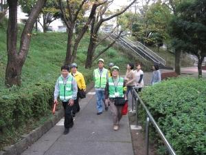 Anti-crime program patrol scenery by Nagataminamidai alliance Neighborhood Association