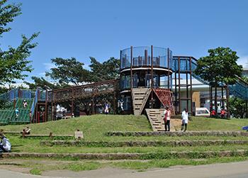 Playground equipment of Makita Park
