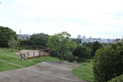 Observation deck of elementary school student amusement park