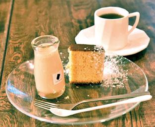 櫻花蜂蜜蛋糕,牛軋糖,櫻花白蜜布丁使用元町產的蜂蜜的蛋糕日本牛軋糖
