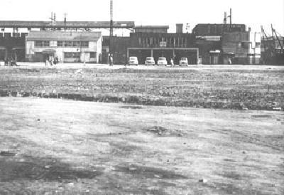 1953年左右的橫濱站西口的照片