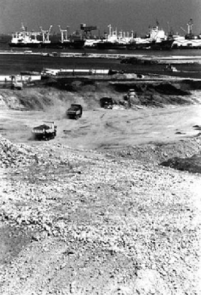修建時的港灣未來21地區的照片