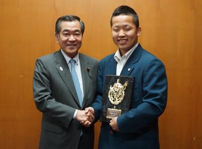 Image of Chairperson Sato and Ruku Kojima