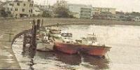 Barco de pesca de una persona de la persona jubilada actual