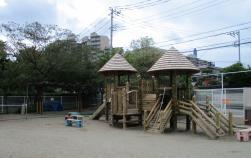 茅崎南保育園庭園